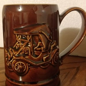 Set of 4 Vintage AAA Collectibles Ceramic Mugs